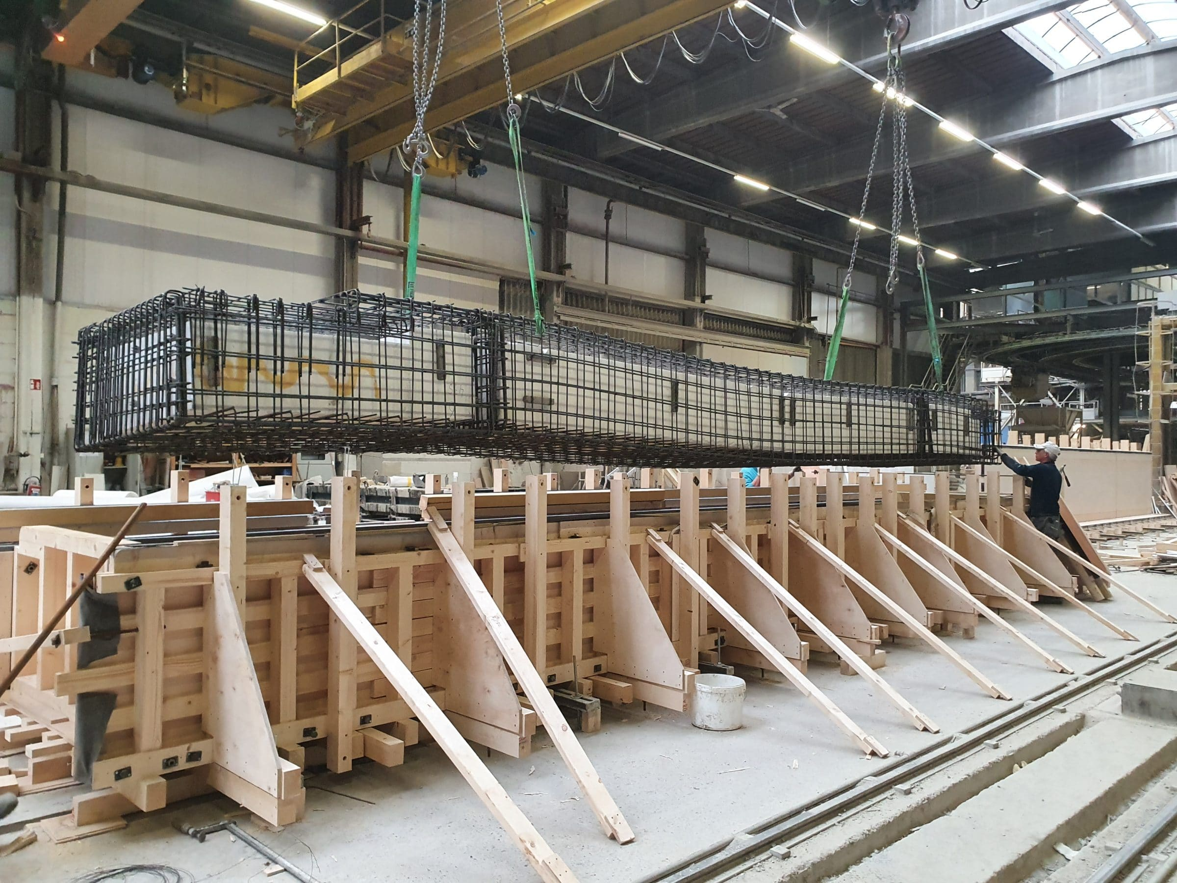 production of lightweight colums